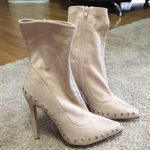 BLUSH PINK SUEDE STUDDED HEEL SOCKS BOOTIES